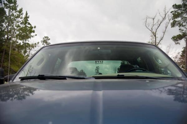 finished-installing-new-windshield